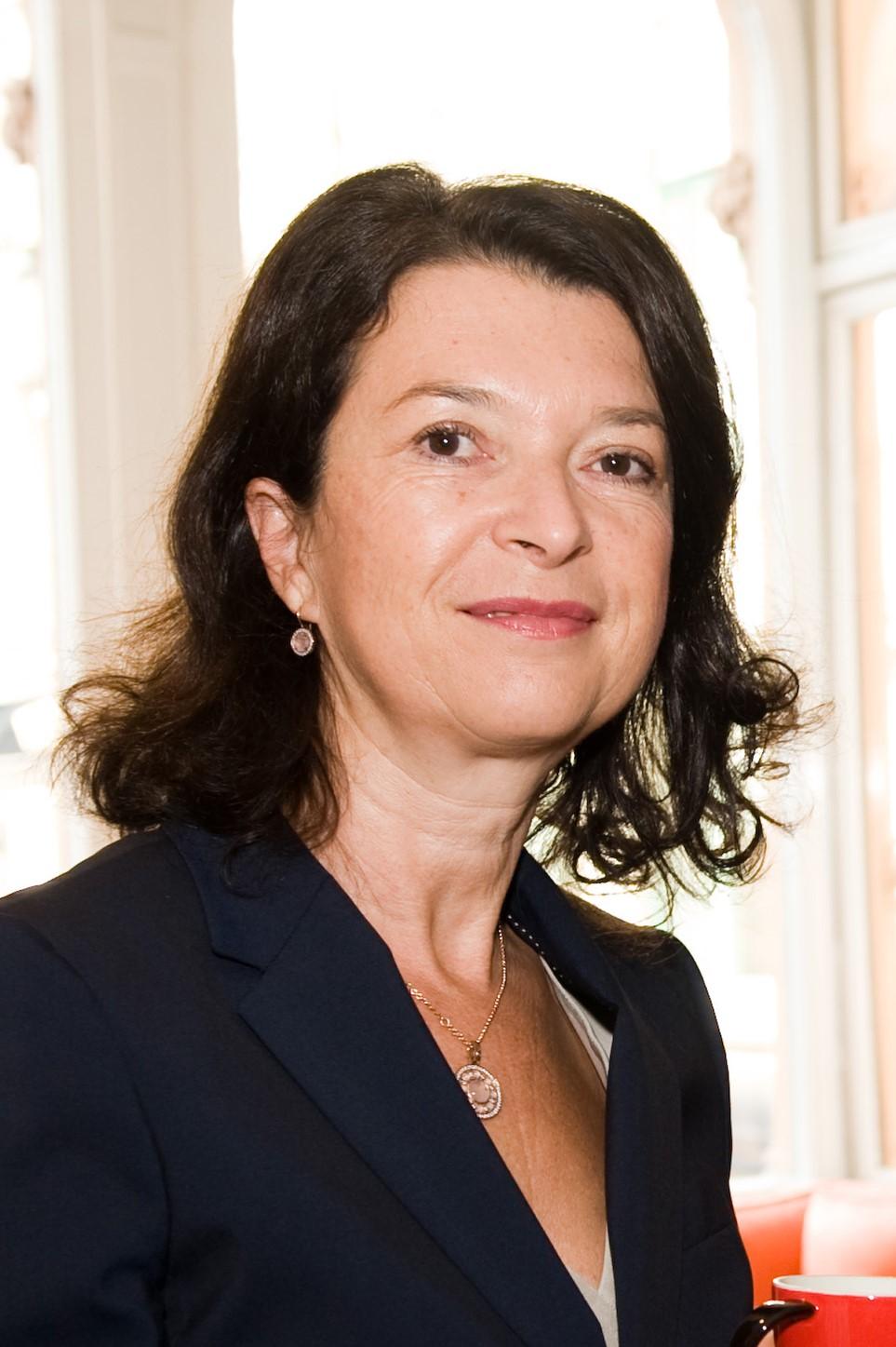 SUSANNE HÖLLINGER